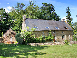 Holiday Rental Sleeps 10 In Brech In The Heart Of The Morbihan, Brittany