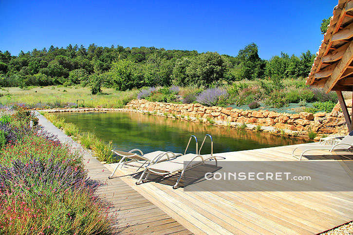 Piscine naturelle uzes for Piscine depot uzes