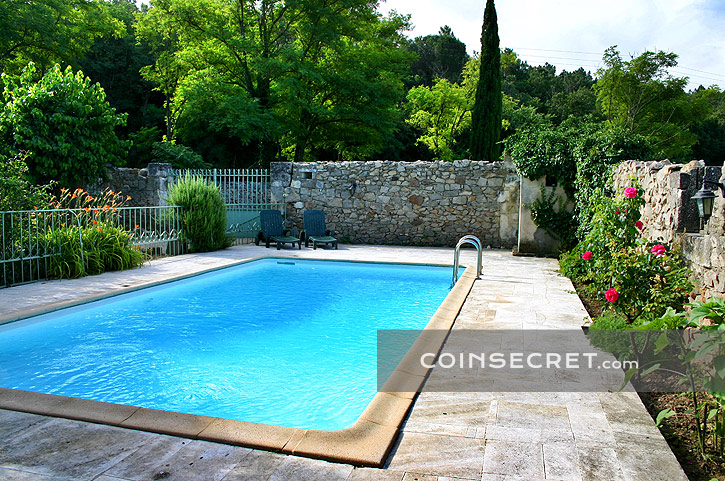 Dr me proven ale location mas de charme piscine chauff e for Piscine 3 chateaux