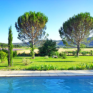 Holiday cottage with pool in Saint Paul Trois Chateaux, Drome, Provence