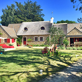 Holiday home with heated swimming pool in Kersauz in the Gulf of Morbihan, Brittany