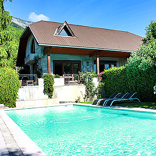 Doussard, Lake Annecy, villa with pool for rent, sleeps 6 people