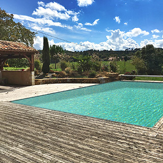 Spacious holiday villa with pool in Villamblard in Dordogne