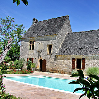 Charming stone house with pool in Perigord near Sarlat