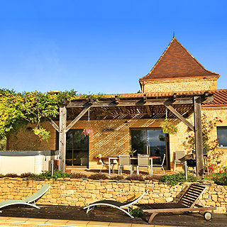 Holiday rental with heated pool near Sarlat in Dordogne, Perigord