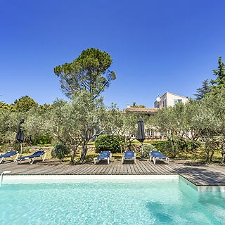 Villa with views and private pool for holidays in Cabrières d'Avignon, Luberon, Provence